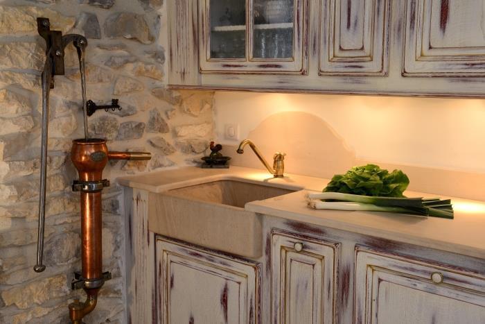 La cuisine fran aise a n 39 est pas seulement les petits for Amenagement cuisine provencale